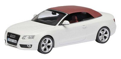 Audi A5 cabrio wit closed roof white limited edition 1000 pcs.