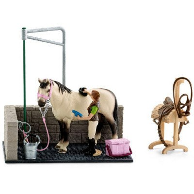 SCHLEICH 42104 MYCÍ KOUT PRO KONĚ